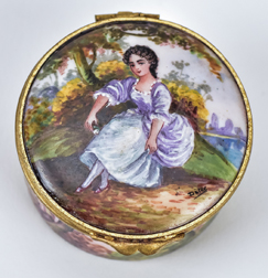 Sampson Enameled Snuff Box