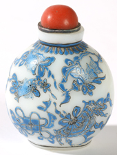 LATE 18TH CENTURY CHINESE SNUFF BOTTLE