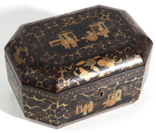 19TH CENTURY CHINESE DECORATED BLACK LACQUERED BOX