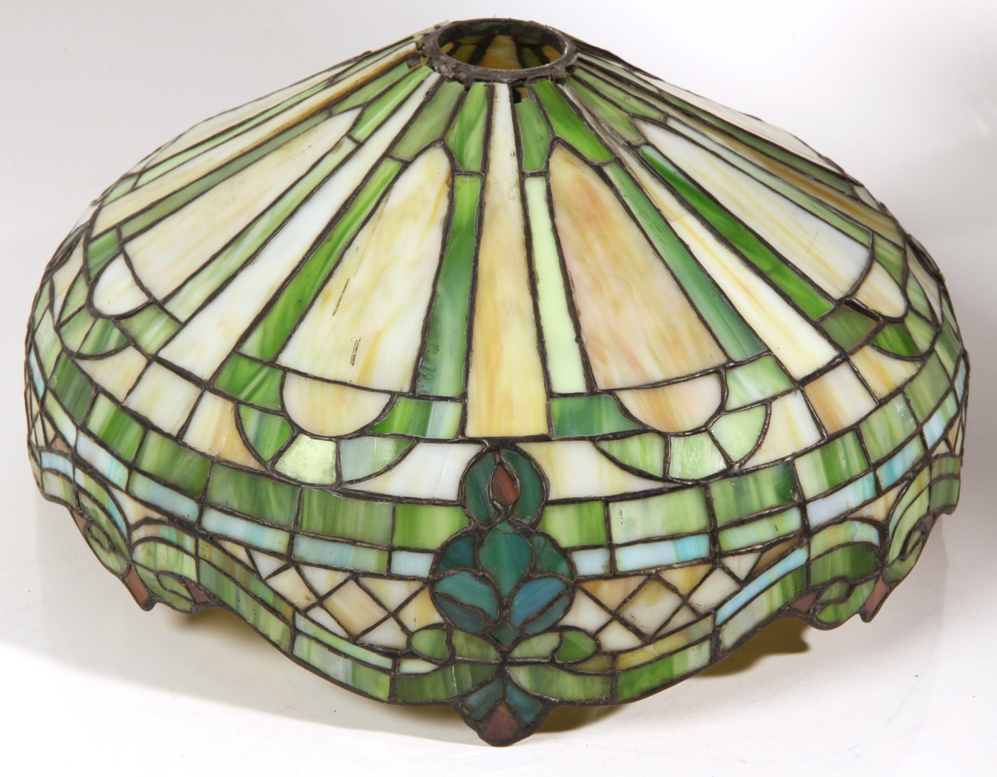 antique leaded glass lamp shade 14 1 2 shade approx 7 high dam. Black Bedroom Furniture Sets. Home Design Ideas
