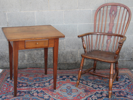 WINDSOR CHAIR & STAND