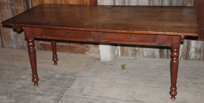 LARGE PIN TOP TABLE