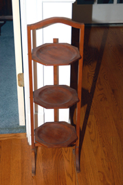 MAHOGANY PIE RACK