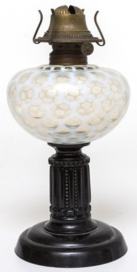 Opalescent Coin Spot Oil Lamp