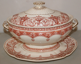 LARGE EARLY TUREEN