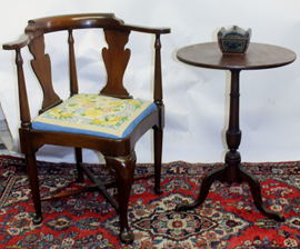 CORNER CHAIR & CANDLESTAND