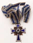ENAMELED NAZI MOTHERS CROSS MEDAL