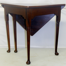 PERIOD QUEEN ANNE CORNER TABLE